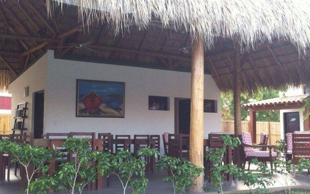 Machele' s Place Beachside Hotel & Pool