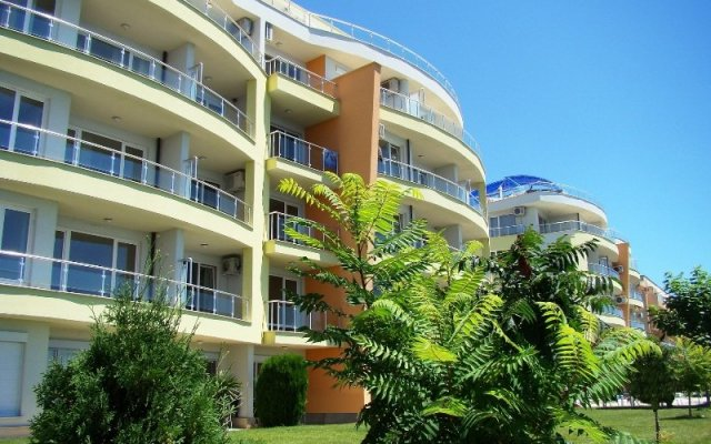 Отель Alex Beach Свети Влас вид на фасад