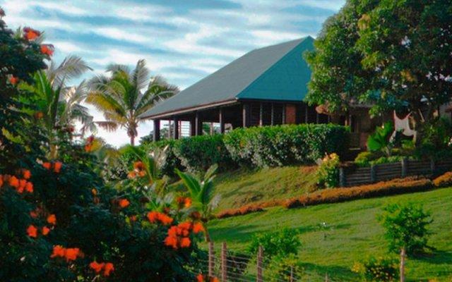 Palmlea Farms Lodge & Bures