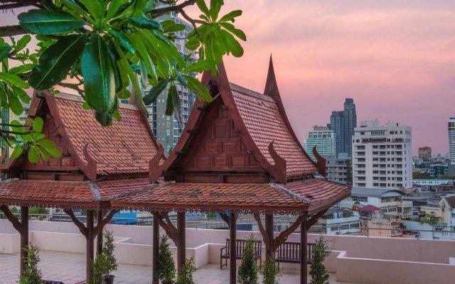 Отель Waterford Diamond Tower Бангкок вид на фасад