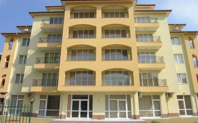 Апартаменты Apartment Complex Sunflower Солнечный берег вид на фасад