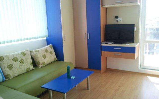 Отель Apostolovi Apartments Болгария, Поморие - отзывы, цены и фото номеров - забронировать отель Apostolovi Apartments онлайн комната для гостей