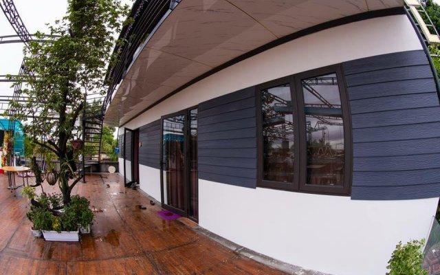 Bamboo Hotel & Apartments - Hostel Халонг вид на фасад