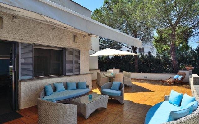 Отель Bed and Breakfast La Villa Бари вид на фасад