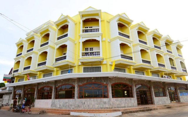 Paknampran Hotel вид на фасад