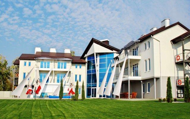Гостиница Porto Riva вид на фасад