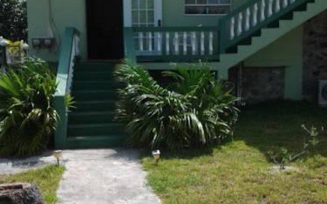 Big Sands Bay Garden Apartment