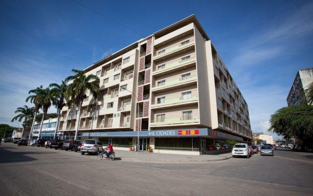 Отель Aparthotel Mil Cidades вид на фасад