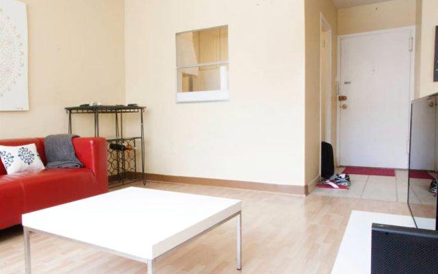 Отель Cozy 1BR Rosslyn Apt with a View США, Арлингтон - отзывы, цены и фото номеров - забронировать отель Cozy 1BR Rosslyn Apt with a View онлайн комната для гостей