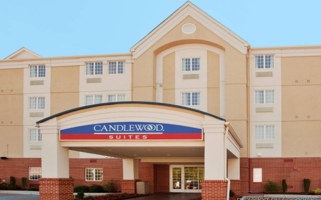 Отель Candlewood Suites Virginia Beach/Norfolk вид на фасад