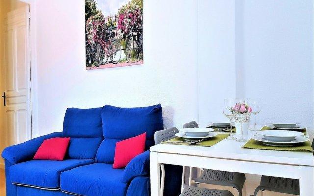 Отель MC YOLO Apartamento Teatro Price Испания, Мадрид - отзывы, цены и фото номеров - забронировать отель MC YOLO Apartamento Teatro Price онлайн комната для гостей