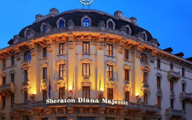 Отель Sheraton Diana Majestic, Milan вид на фасад