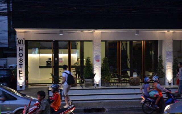 3howw Hostel @ Sukhumvit 21 Бангкок вид на фасад