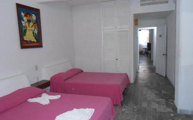 Hotel Corona Zihua Сиуатанехо комната для гостей