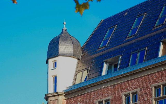 Отель The Red Дюссельдорф вид на фасад