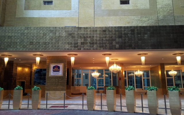 Best Western Grand Hotel вид на фасад