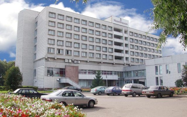 Гостиница Молодежная вид на фасад