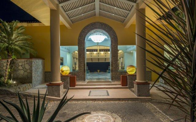 Отель Camino Real Acapulco Diamante вид на фасад