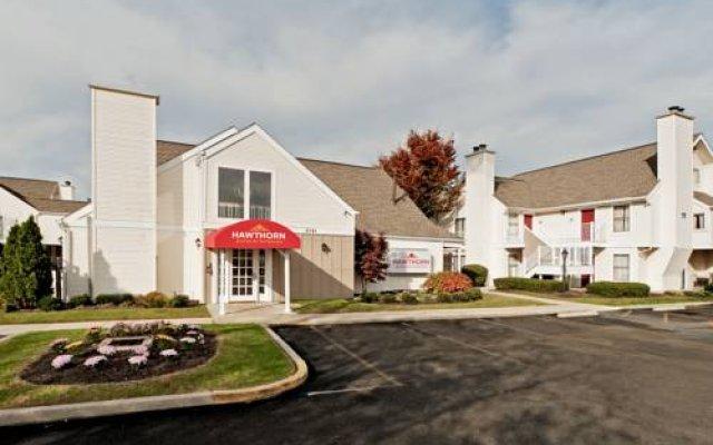 Отель Hawthorn Suites by Wyndham Columbus North США, Колумбус - отзывы, цены и фото номеров - забронировать отель Hawthorn Suites by Wyndham Columbus North онлайн вид на фасад
