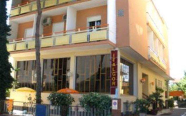 Отель Club Italgor Римини вид на фасад
