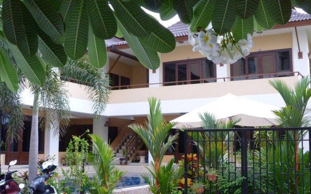Отель Chaba Garden Resort вид на фасад