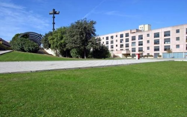 Отель Vila Universitaria вид на фасад