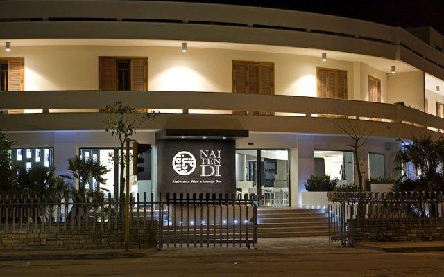 Hotel Naitendi Кутрофьяно вид на фасад