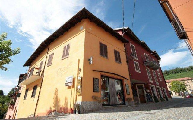 Отель Vicolo del Pozzo Здание Barolo вид на фасад