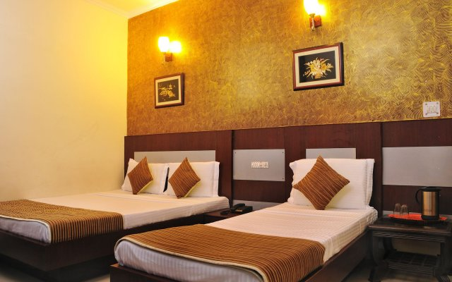 Hotel Star Palace Paharganj in New Delhi, India from 19$, photos, reviews - zenhotels.com guestroom