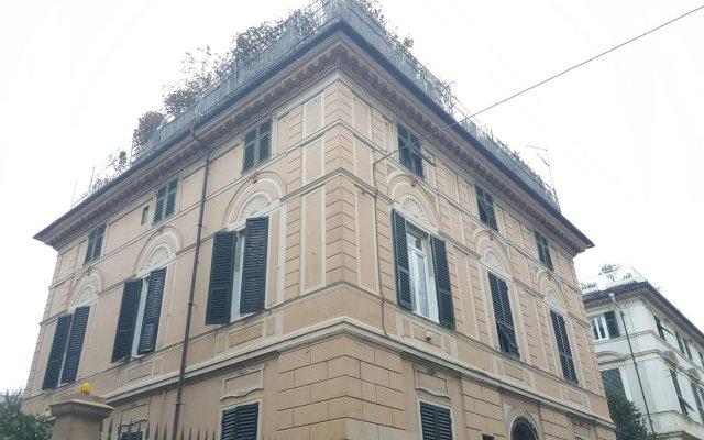 Отель Royal Suite Генуя вид на фасад