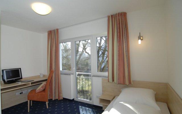 Отель Landhaus Sixtmühle Германия, Тауфкирхен - отзывы, цены и фото номеров - забронировать отель Landhaus Sixtmühle онлайн комната для гостей