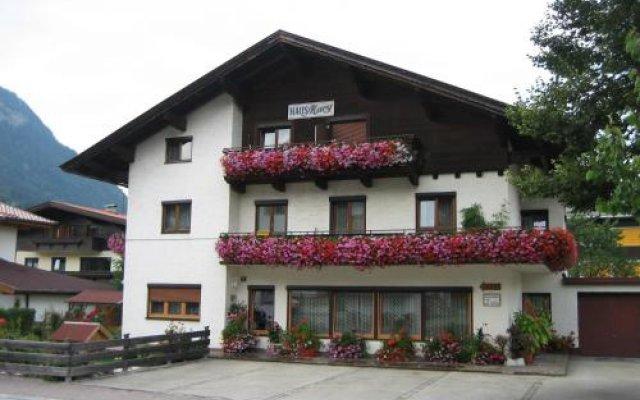 Отель Haus Mary Австрия, Зёлль - отзывы, цены и фото номеров - забронировать отель Haus Mary онлайн вид на фасад