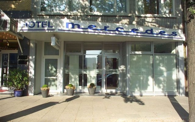 Hotel Mercedes/Centrum вид на фасад
