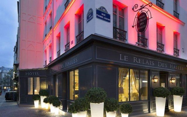 Отель Relais Des Halles Париж вид на фасад