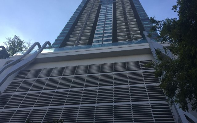 Отель Bangkok Luxury Suites Pyne вид на фасад