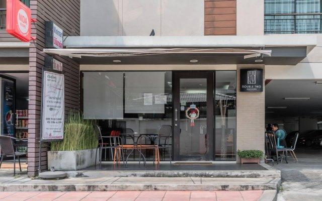 Отель Double Two at Sathorn Таиланд, Бангкок - отзывы, цены и фото номеров - забронировать отель Double Two at Sathorn онлайн вид на фасад