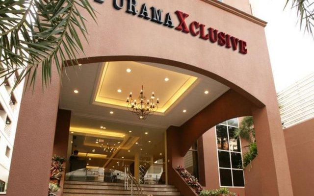 Отель Furamaxclusive Sukhumvit Бангкок вид на фасад