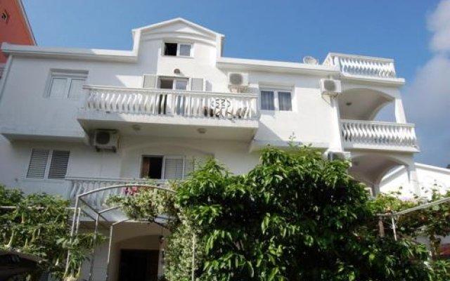 Отель Guest House Ckuljevic Черногория, Будва - отзывы, цены и фото номеров - забронировать отель Guest House Ckuljevic онлайн вид на фасад