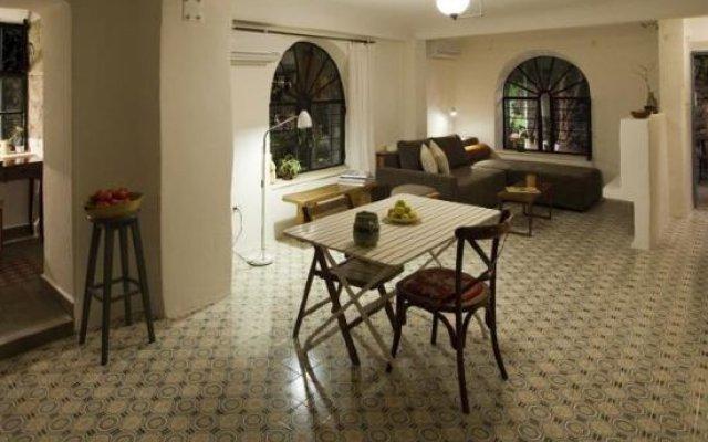 The Nest - A Romantic Vacation Home In Ein Kerem, Jerusalem