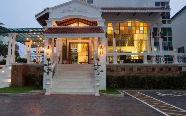 Отель Nida Rooms Talat Yai Robinson Ocean Пхукет вид на фасад