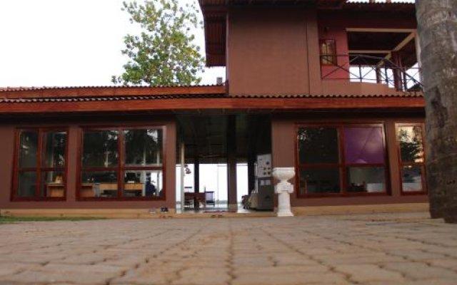 Отель Lake View Cottage Шри-Ланка, Тиссамахарама - отзывы, цены и фото номеров - забронировать отель Lake View Cottage онлайн вид на фасад