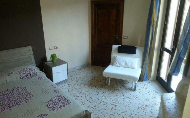 Отель La Casa della Nonna Пьяцца-Армерина комната для гостей