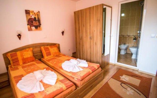 Отель Vien Guest House Болгария, Банско - отзывы, цены и фото номеров - забронировать отель Vien Guest House онлайн вид на фасад