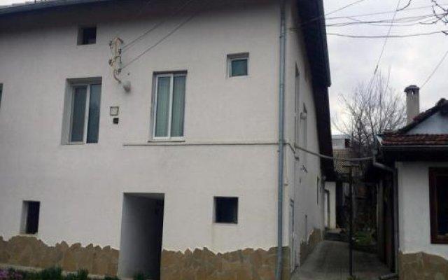Отель Nenkovi Guest House Болгария, Трявна - отзывы, цены и фото номеров - забронировать отель Nenkovi Guest House онлайн вид на фасад