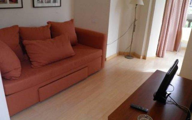 Отель Apartaments Sant Jordi Santa Anna 2 Испания, Барселона - отзывы, цены и фото номеров - забронировать отель Apartaments Sant Jordi Santa Anna 2 онлайн комната для гостей