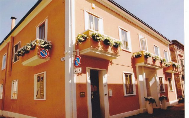 Отель Casa Isabella Италия, Рокка-Сан-Джованни - отзывы, цены и фото номеров - забронировать отель Casa Isabella онлайн вид на фасад