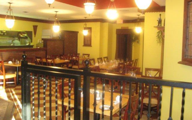 Отель Corporate Inn Канада, Нью-Вестминстер - отзывы, цены и фото номеров - забронировать отель Corporate Inn онлайн гостиничный бар