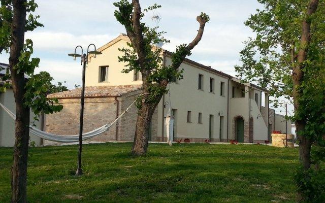 Отель B&B Ceresà Лорето вид на фасад