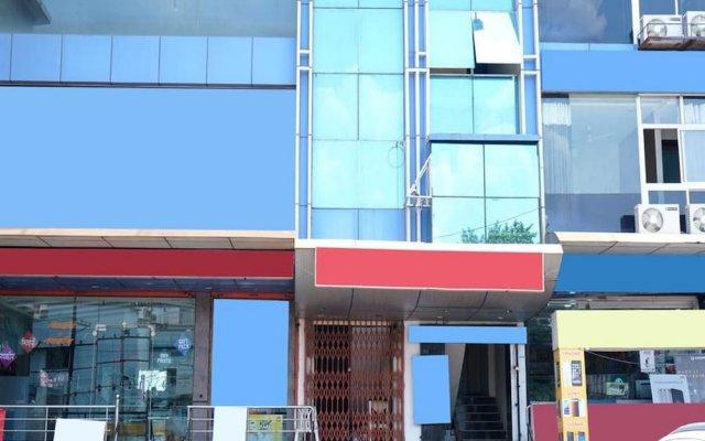 OYO 6325 Hotel Kiran вид на фасад