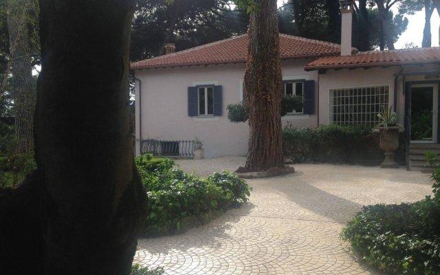 Отель Villa Abbamer Италия, Гроттаферрата - отзывы, цены и фото номеров - забронировать отель Villa Abbamer онлайн вид на фасад